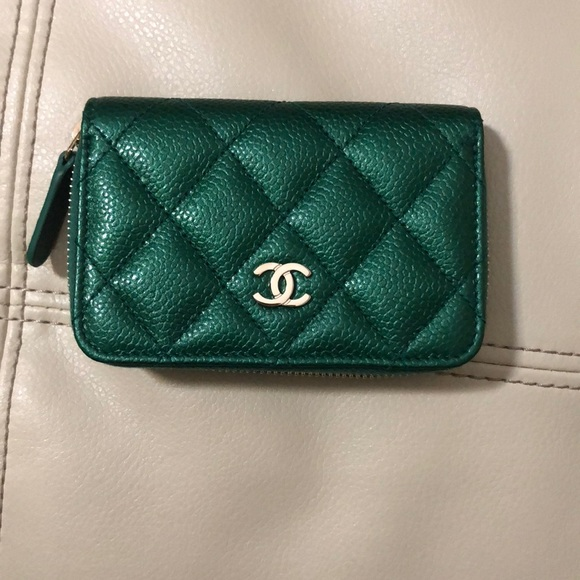 0ee682fab028 CHANEL Handbags - Reserved Auth Chanel iridescent green card holder